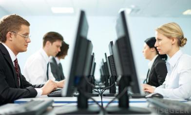 office-computer-operators